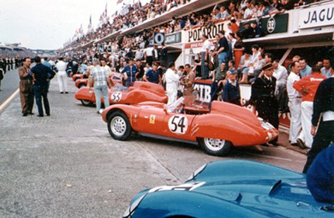 1959 Le Mans 24 Hours. Number 51 a187N driven Mexican Rodriguez brothers entered by the NART team, and the Laroche 187N number 52. Both would retire